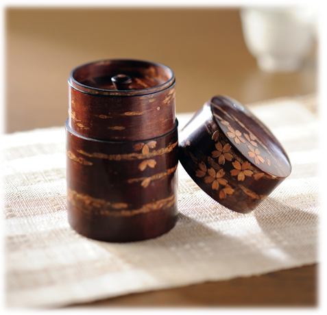 Link to an enlarged 2nd image of Cherry wood bark tea caddy/Sakura-Chiruhana