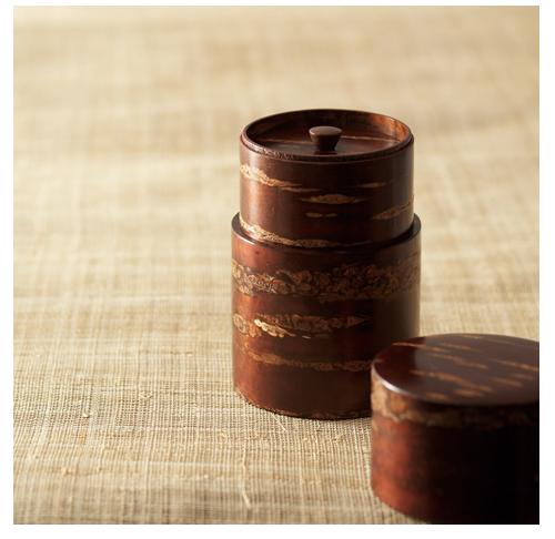 Link to an enlarged 4th image of Cherr wood bark tea caddy/Koguchihari-Muji