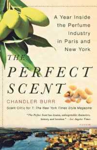 Link to an enlarged image of The Perfect Scent : A Year inside the Perfume Industry in Paris and New York (1st Reprint)