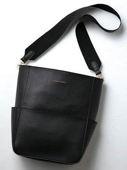 Link to an enlarged 2nd image of LAGUNAMOON ONE HANDLE BAG BOOK ([バラエティ])